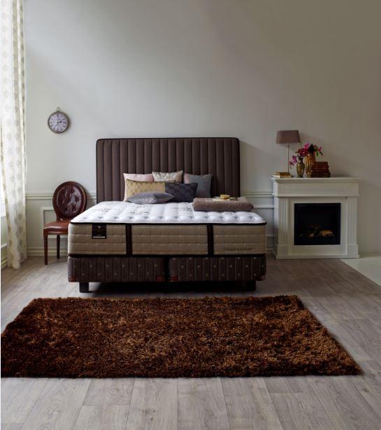 matelas stearn and foster literie estate sur rennes. Black Bedroom Furniture Sets. Home Design Ideas