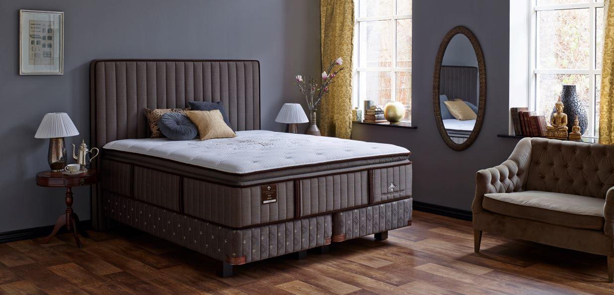 literie lux estate pilow top de stearns et foster. Black Bedroom Furniture Sets. Home Design Ideas